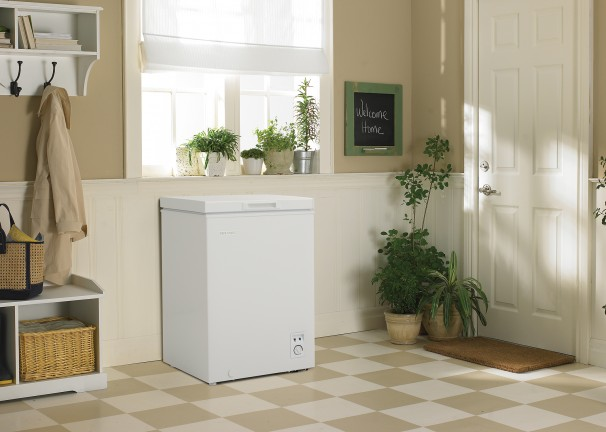 20980 - freezer - DCFM036C1WM - mudroom