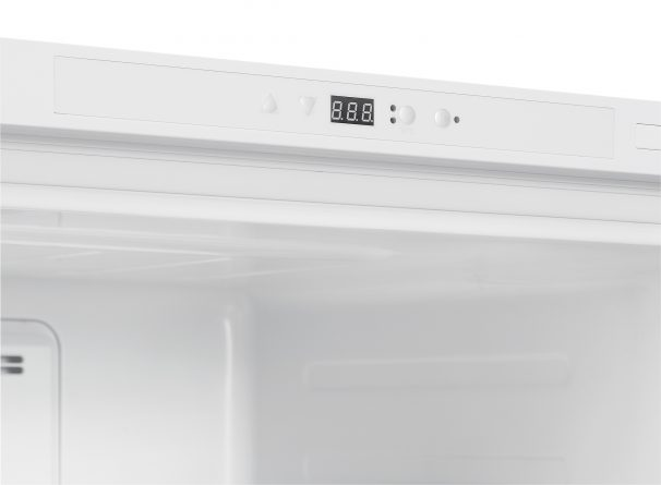 22496 - 17 Cubic Foot Upright Freezer - Controls
