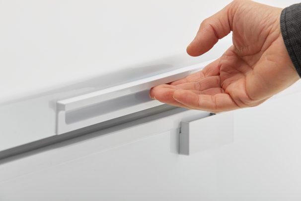 22501 - freezer - DCF145A1WDD - handle