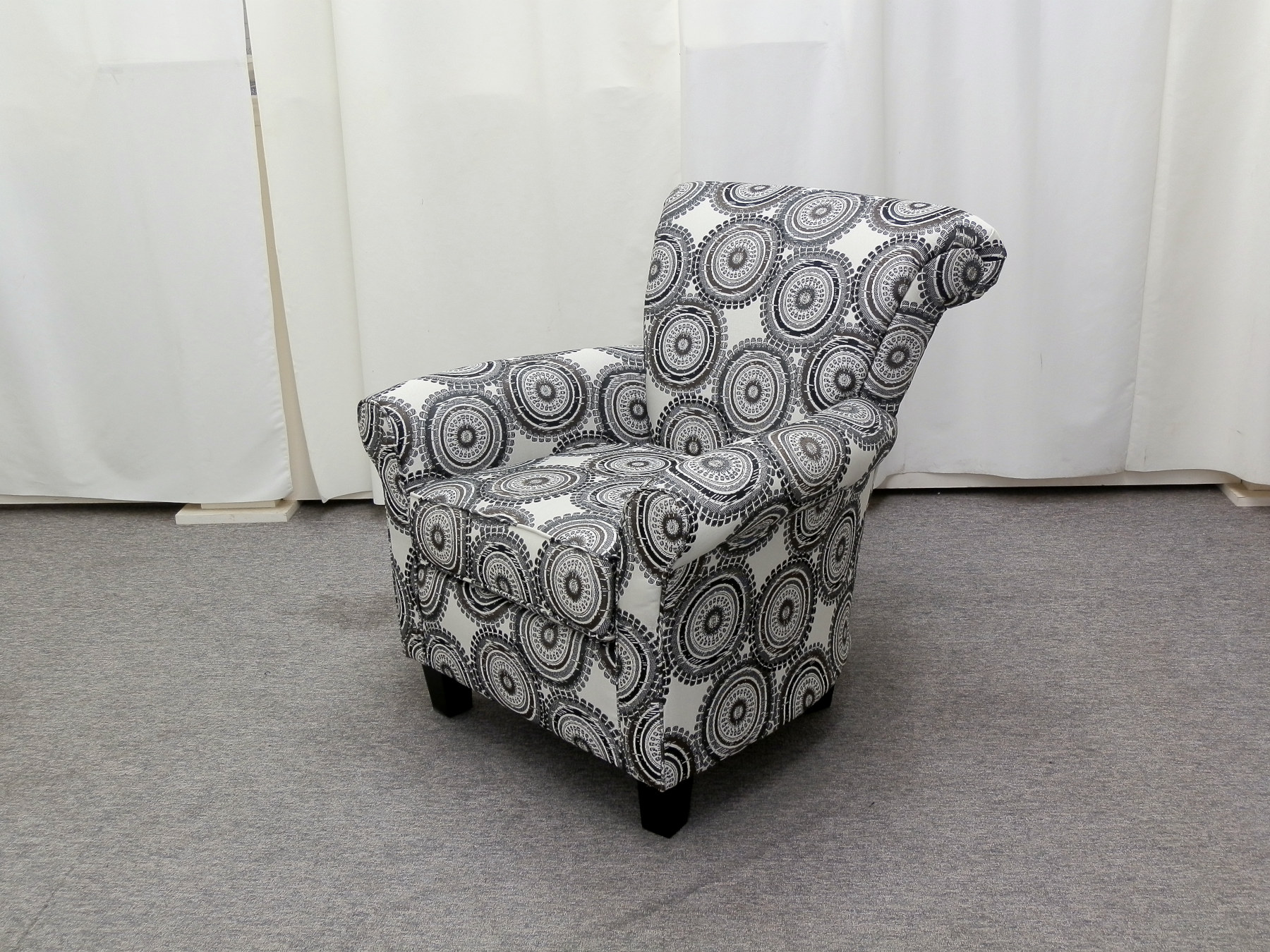 23313 – Accent Chair – AU-429-1443P – Angle